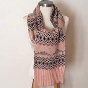 NWT Timberland Light Pink And Grey Knit Scarf